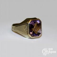 Перстень с массонской символикой на аметисте